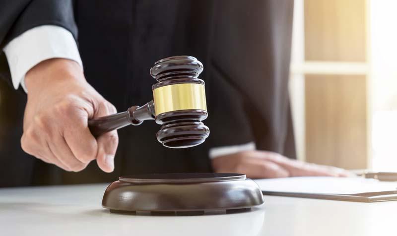Rechtsstreitigkeiten-Sachverstaendiger-928158772